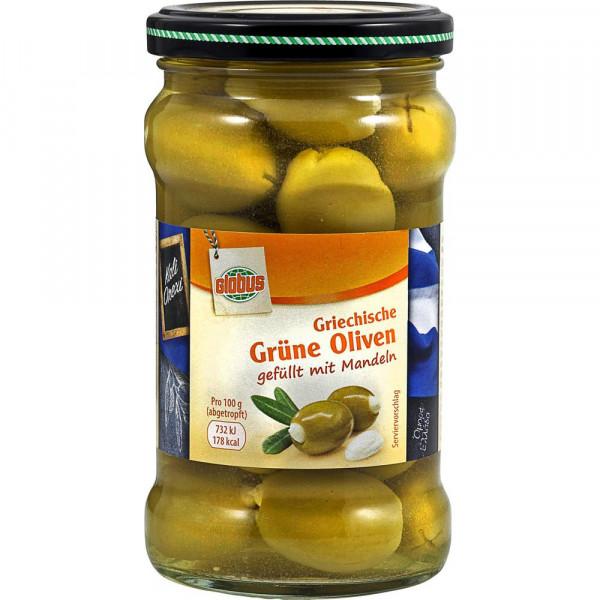 Griechische grüne Oliven, gefüllt mit Mandeln