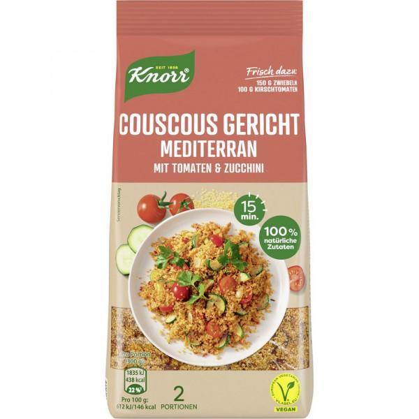 Couscous Gericht, mediterran mit Tomaten und Zucchini