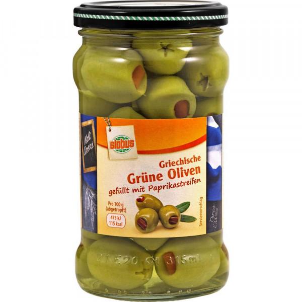 Grüne Oliven gefüllt mit Paprikastreifen