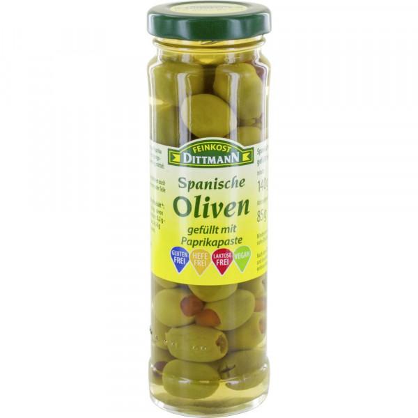Grüne Oliven mit Paprika
