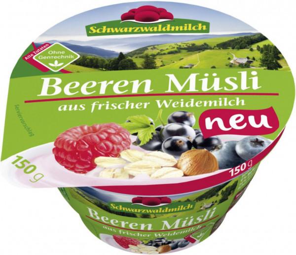 Joghurt aus frischer Weidemilch, Beeren
